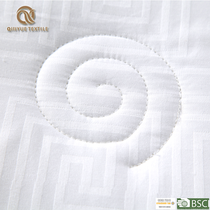 Wholesale new type down homeuse silk comforter  Mulberry Silk Duvet Comforter in White Cotton Shell