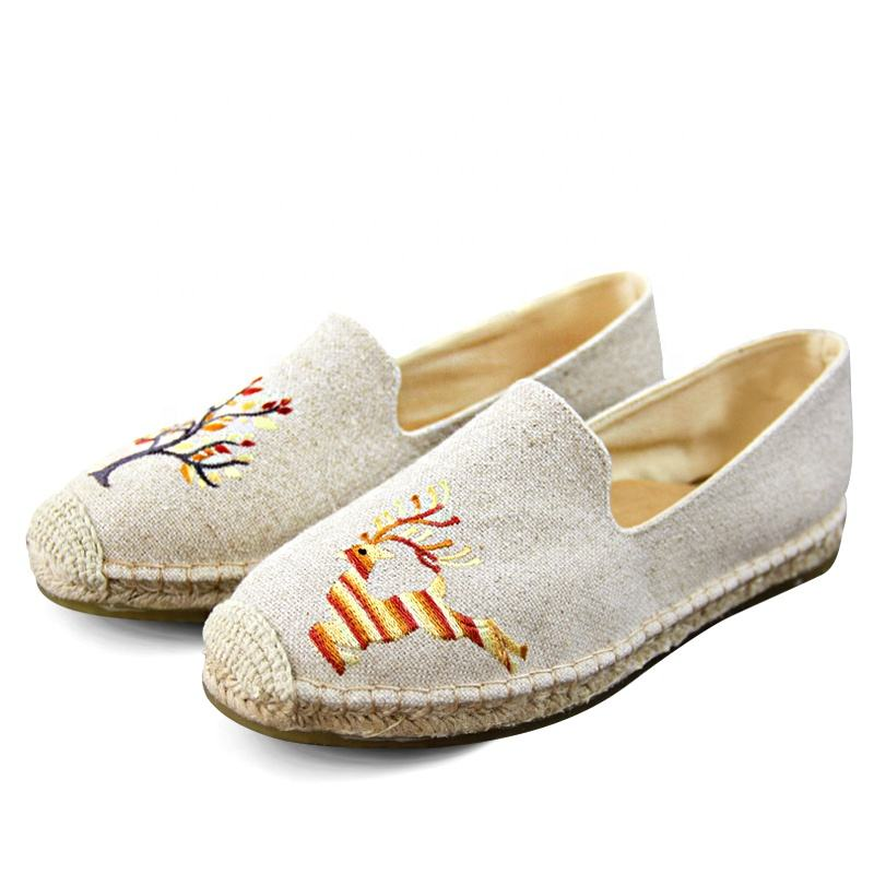 Traditionally crafted flax ribbed sole sika deer pattern leisure handmade shoes