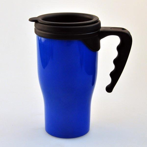 Buena forma de alimentos de grado mayor aislados taza de café de plástico con asa y tapa
