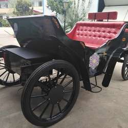 Romantic White Wedding Horse Carriage/ sightseeing Horse Wagons for Sale