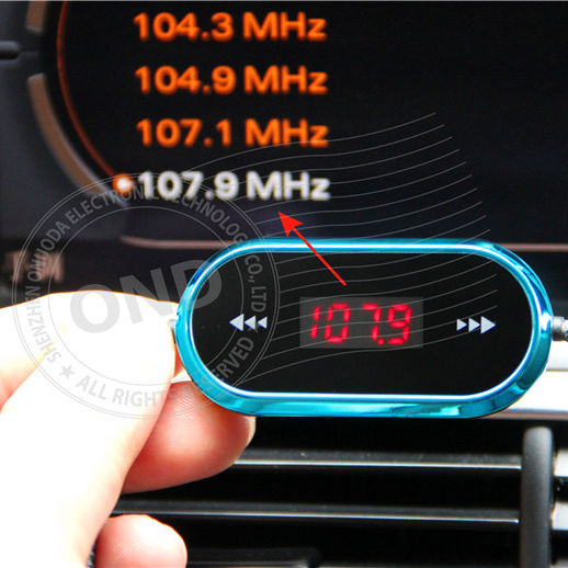 Commerci all'ingrosso USB Wireless Audio 3.5mm Mini In-car FM Transmitter Manuale Per iPhone 4 5 6 6 S Più Samsung Laptop iPad galaxy s3 s4