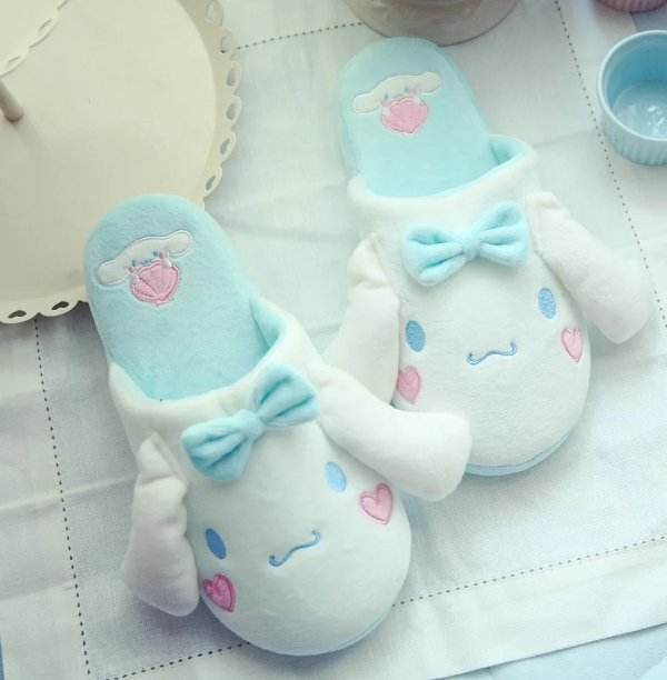 1 pair cartoon Cinnamoroll white dog sweet soft soled funny winter lady home floor slippers warm holiday toy girl gift