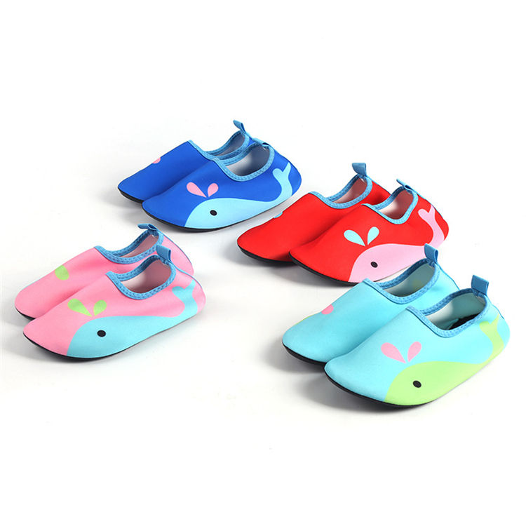 Baby water shoes outdoor walk on water shoes wholesale sport shoes