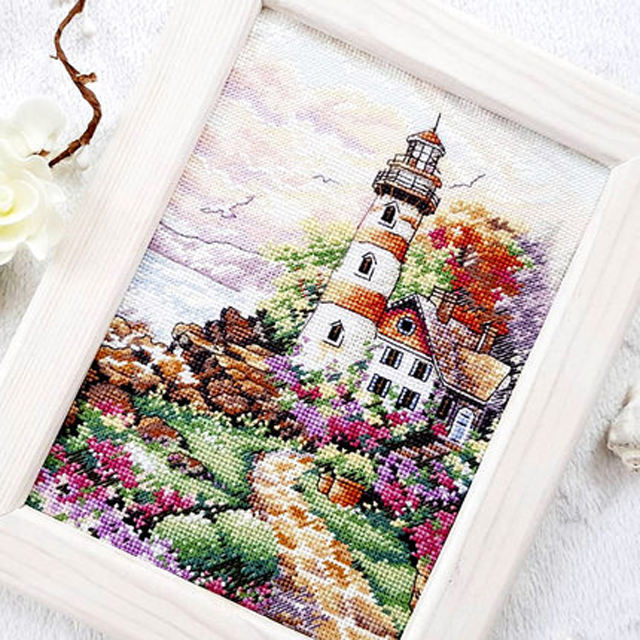 Free shipment DIY Handmade Needlework Cross Stitch Set Kits For Embroidery Home Decor Landscape Cross Stitch Patterns Free