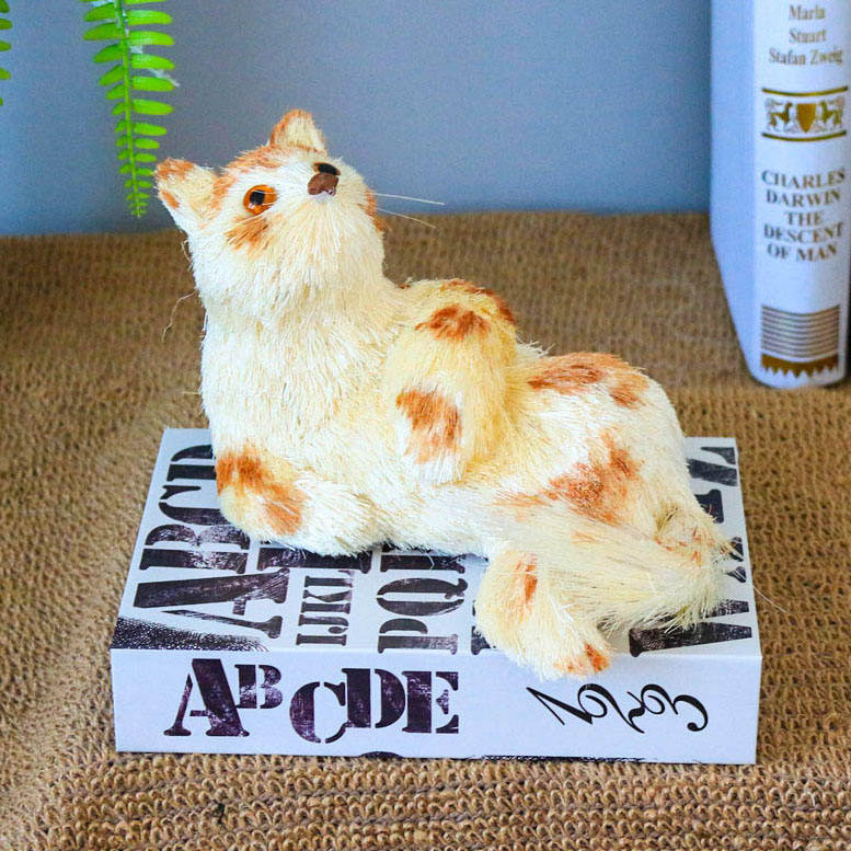 Xmas Party Wedding Animal Cat Figure Sisal Straw Nature Hand Made Craft Indoor Tabletop Decor Cute Cat Decors for Home Country