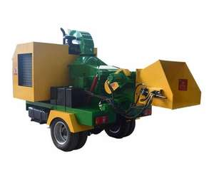 Mobile Diesel Wood Chipper Machine Working For Forestry Business