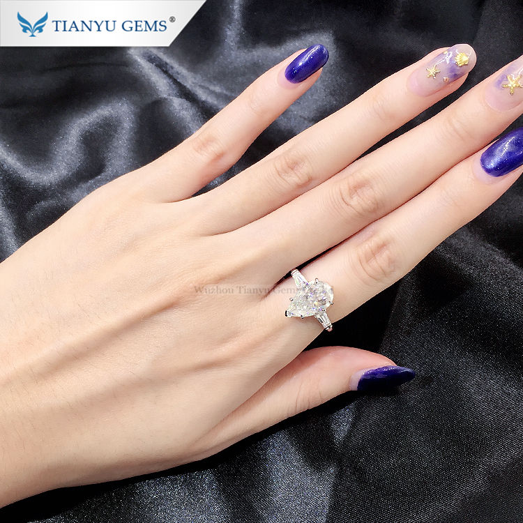 Graphic Customization Gold Jewelry Gold Ring 14k 18k Tianyu Gems 14k/18k Gold Jewelry Simple Style Pear Shape Ice-cut DEF VVS Moissanite Diamond Wedding Ring