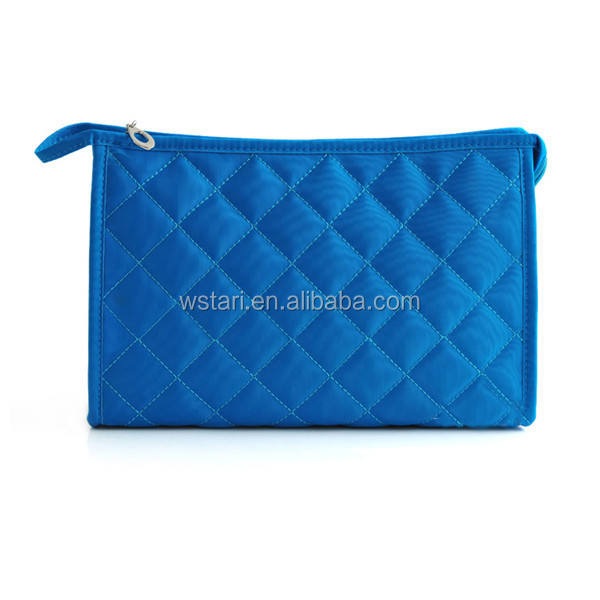 Top zipper factory direct medium candy colored woman makeup bag toilet washing bag cosmetic bag