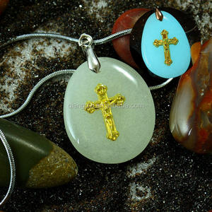 New Arrival Cross Gold Plated Glow in Dark Stone Jewelry Pendant Made in China