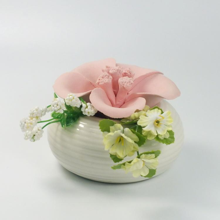 Home Essential Aroma Diffuser Flower Decorative Porcelain Flower Reed Diffuser Container