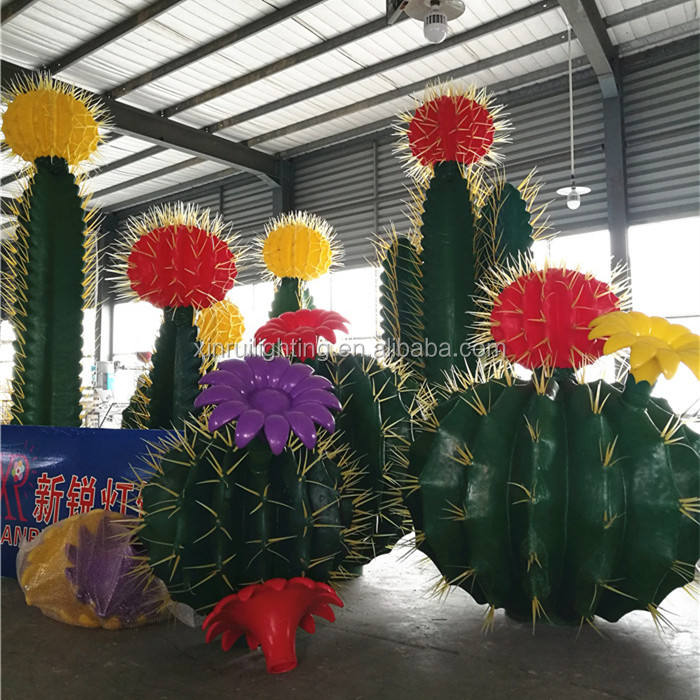 Factory price garden landscape lighted artificial outdoor cactus with led light source