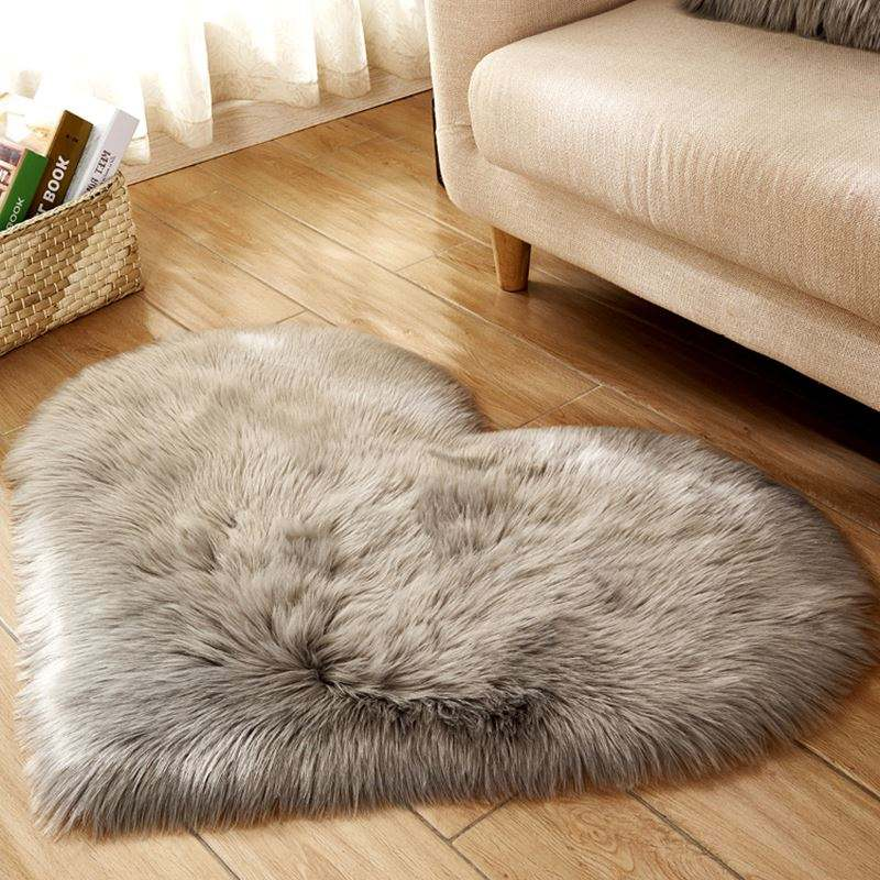 Super Soft Plush Fabric Heart Shaped Faux sheepskin Rugs And Carpets For Home Living Room Bedroom
