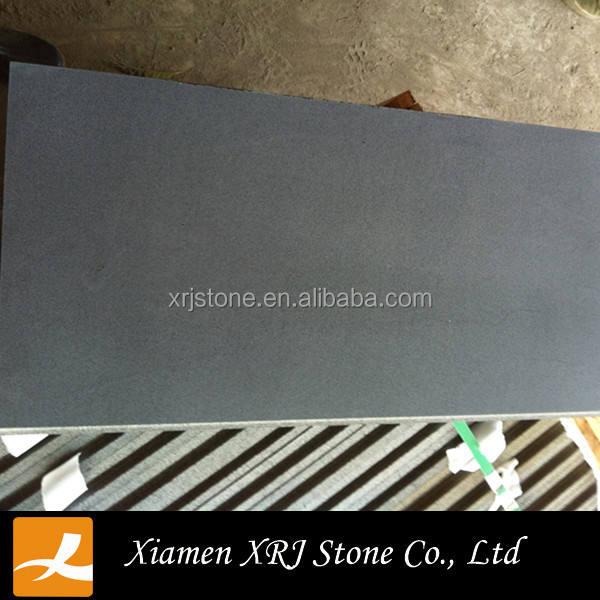 Китайский дешевый lavastone, черного базальта куб камень асфальтоукладчик камень