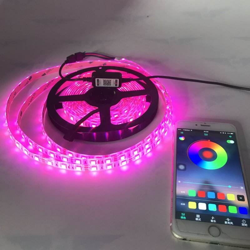 5050 RGB Battery LED Strip 5V white PCB Decorative Light Battery Operated With Bluetooth Controller and Mini 3 keys Controller