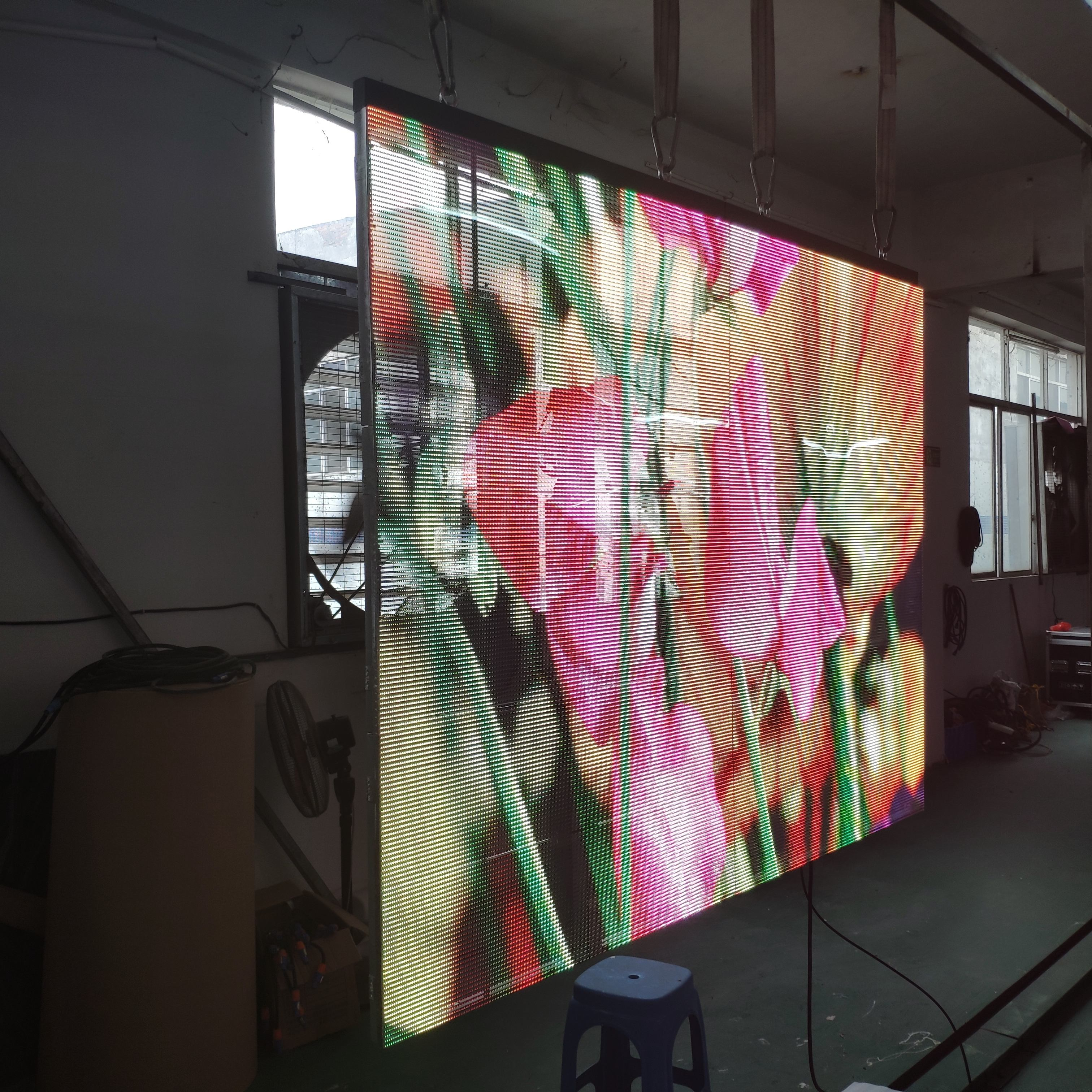 Led Screen Panels Indoor Display Transparent Led Screen 1000ミリメートル * 500ミリメートルP3.91 Advertising Panels Led TV Wall Billboard Cheap Price