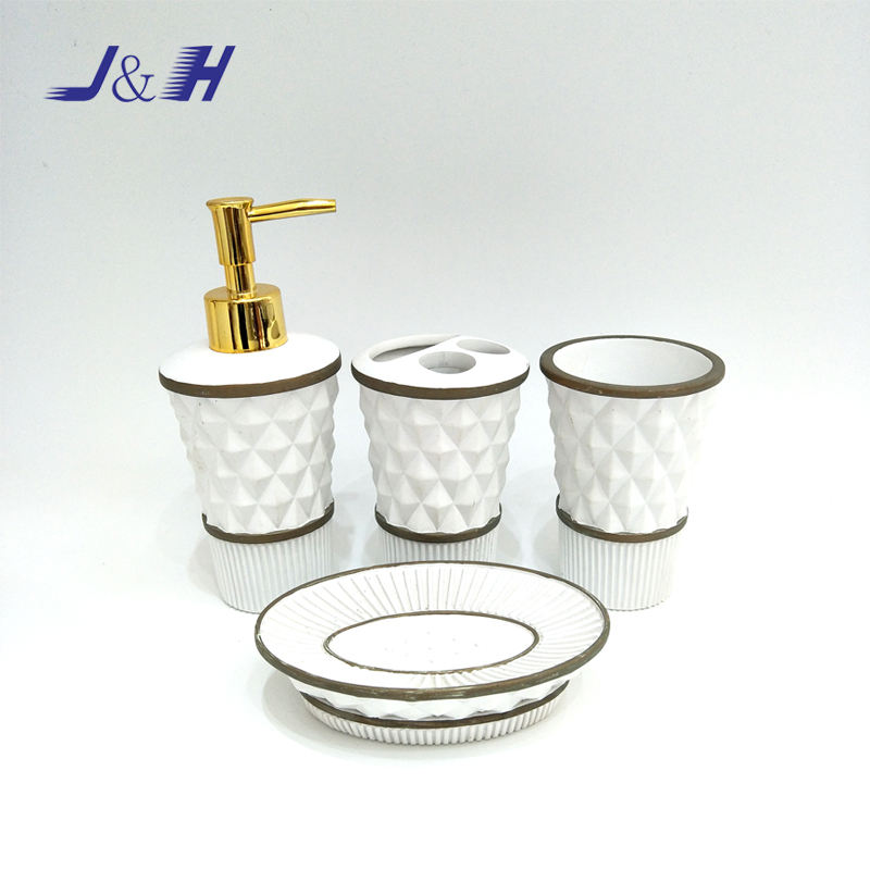 White Painted Four Pieces Resin Bathroom Set Polyresin