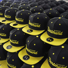 Cheap Wholesale 3D Embroidery 5 Panel Cap Custom Snapback Cap