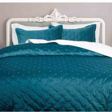 Luxury velvet dot stiching quilted bedding sets comforter sets hot sell on hemitextil 2018