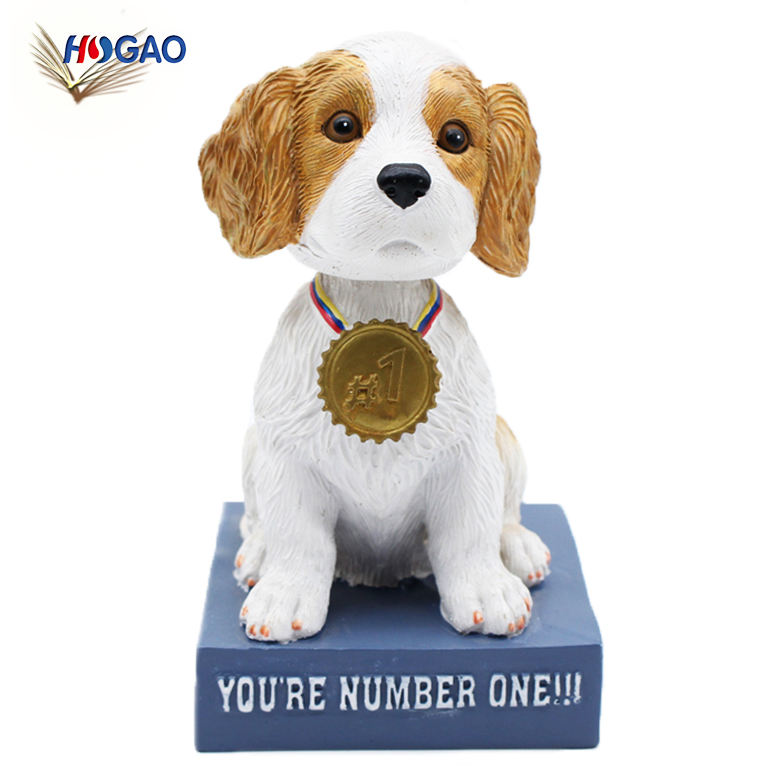 Cute OEM gift items 2018 home office resin shaking head toy moving head dog ornaments bobble head dog for car decoration