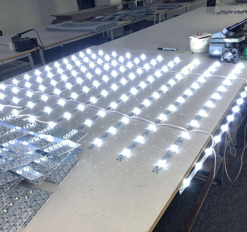 backlight light box led strip light bar SMD2835 3030 led lattice diffuse led light strip with lens