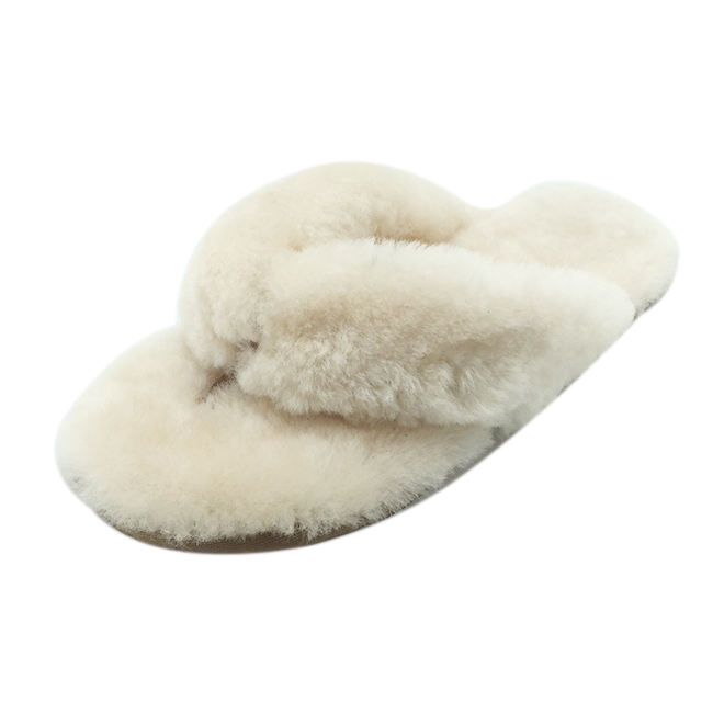 Free samples factory direct women winter indoor wool slippers safety classic sheepskin slippers