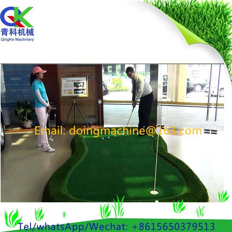 artificial grass putting green with slope