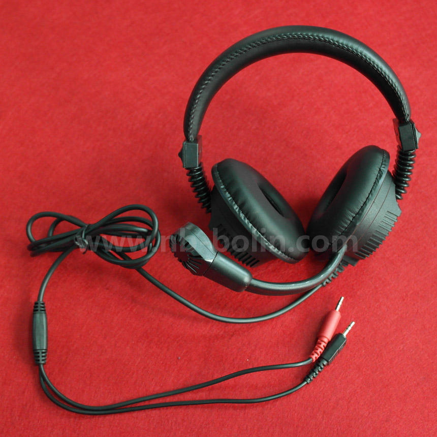 laboratorium bahasa tertentu headphone