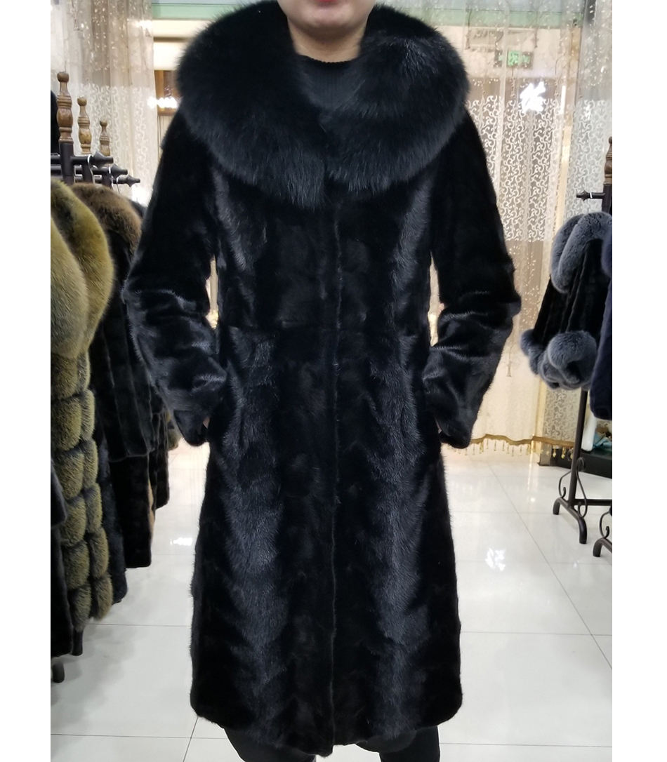 Factory Directly Supply Women Natural Mink Fur Coat with Fluffy Fox Fur Collar