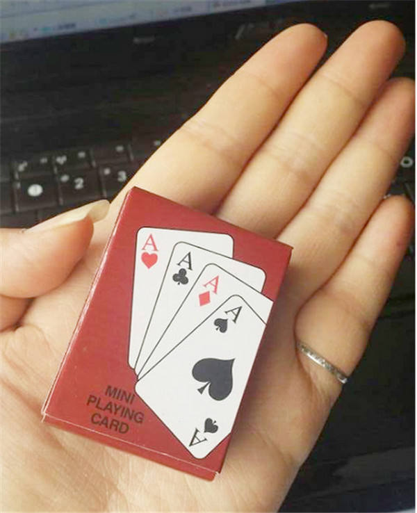 Lovely Mini Poker Interesting Playing Cards Game Outside Outdoor Creative Travel Mini Poker