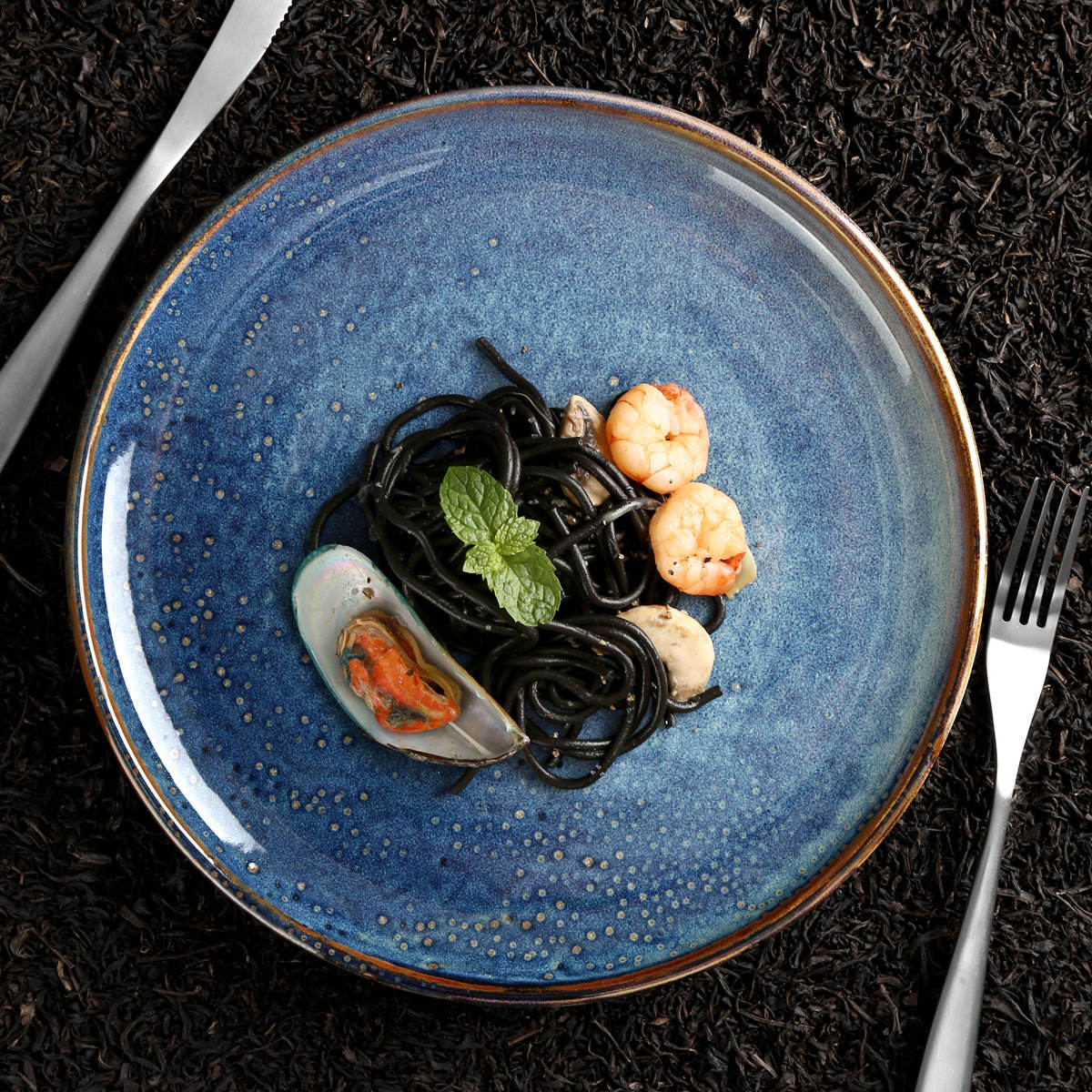 Factory direct wholesale hotel blue nordic dish ceramic dinner plate set,restaurant ecofriendly porcelain dishes plates