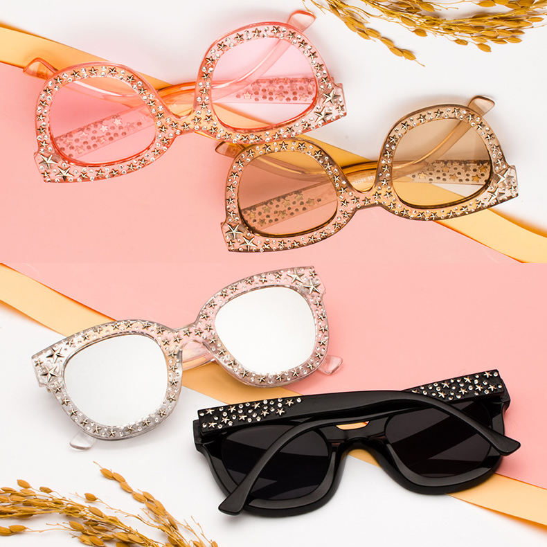 Wholesale Women Fashion Luxury Cateye Shades Clear Big Frame Star Rhinestone Sunglasses