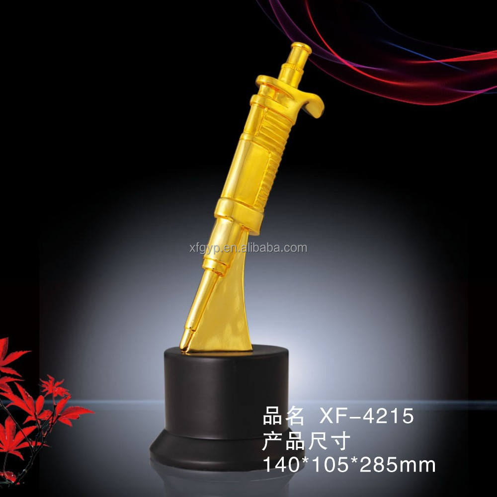 Customized Polyresin Syringe Sculpture With Wooden Base