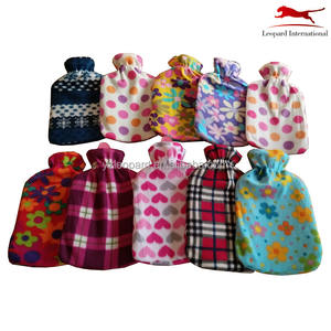 Economical 100% leaky proof 2000ml rubber hot water bottle with fleece cover for hot therapy