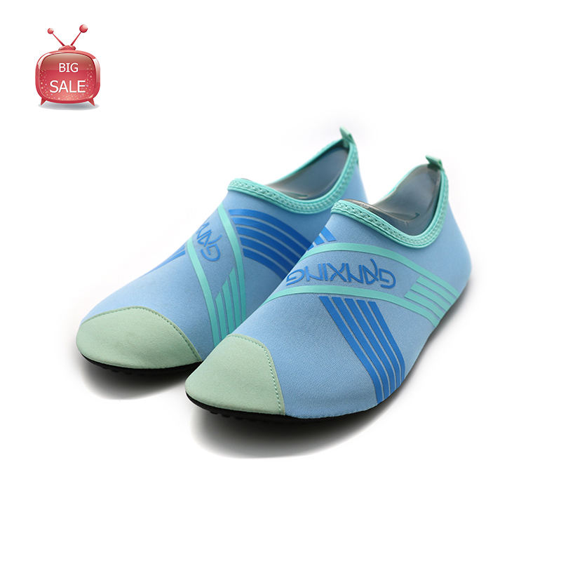Big Sale Ganxing Light Blue Pattern Foldable Soft Lycra Barefoot Amphibious Shoes In Stock