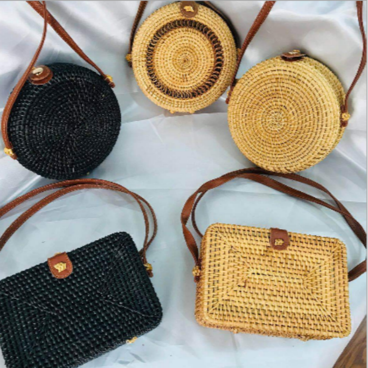 Wholesale custom new design straw shoulder bamboo beach rectangle rattan bag round
