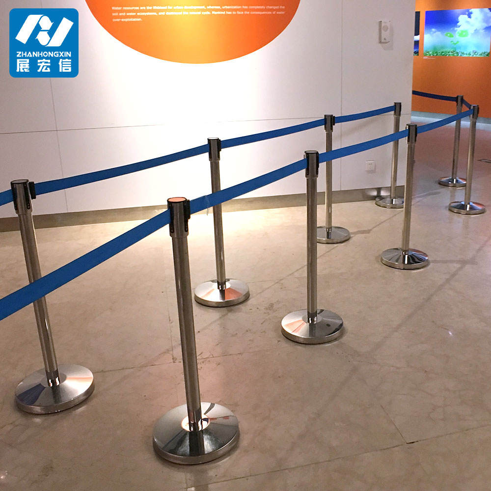 Galvanized steel crowd control barriers airport queuing pole barrier stanchion