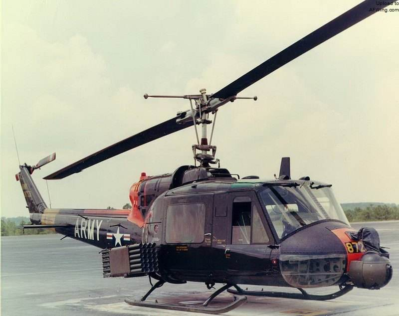 Upgrade Iroquois Helikopter UH-1
