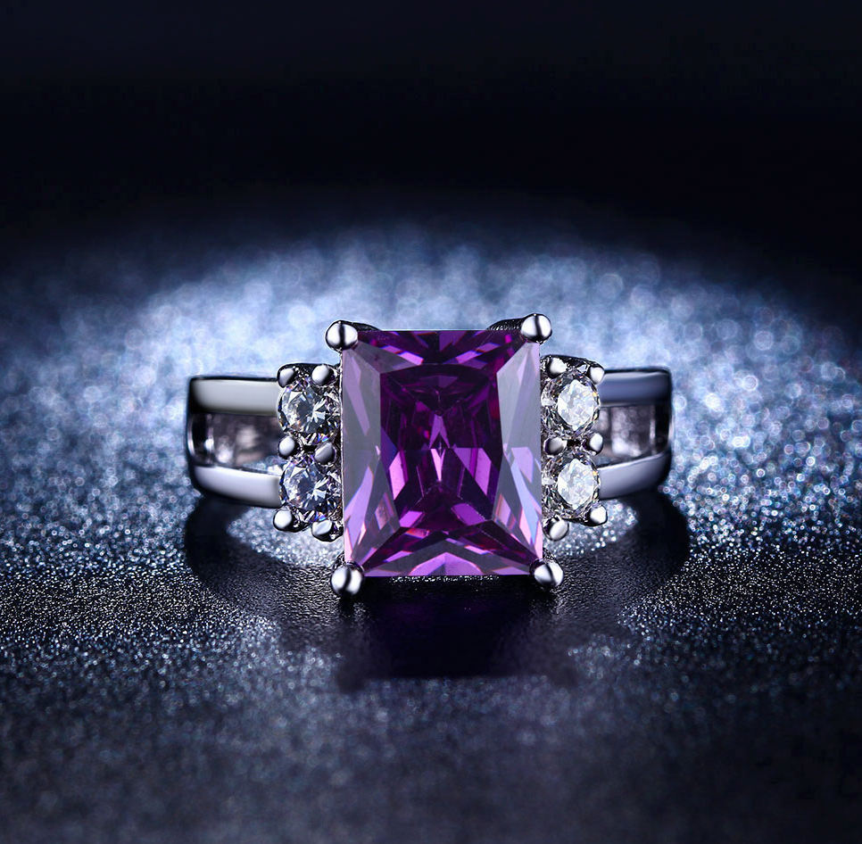 Fashion high-end fine black gold trend purple zircon wedding ring