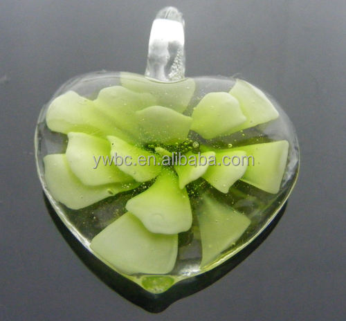 Murano magnifying glass heart pendant LMNB-4314-1