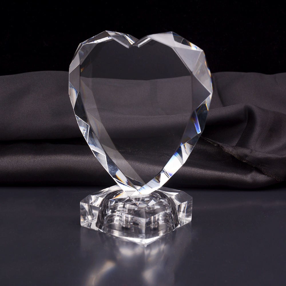 Romantic shining heart crystal wedding gifts for guests