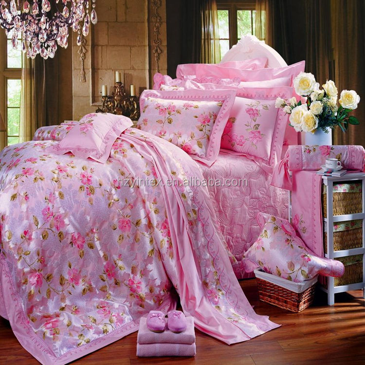 Durable Double Stitch 250GSM Customized Type Microfiber Polyester Comforter