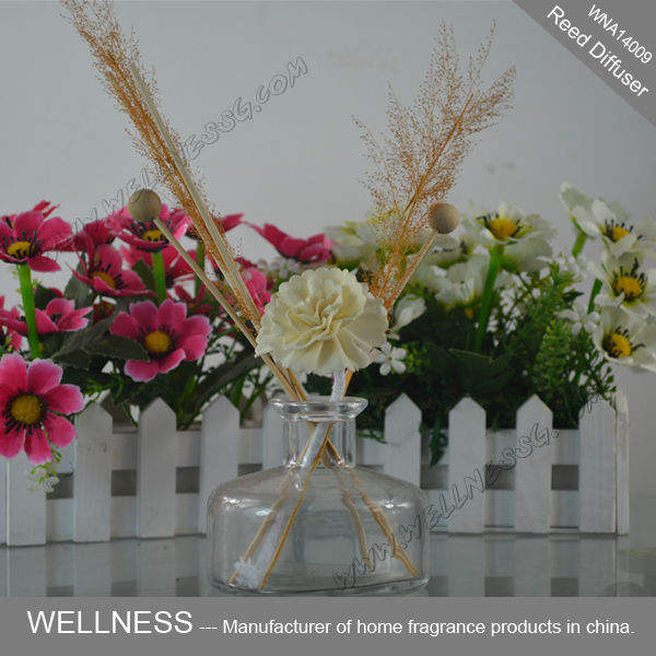 hotsale sola wood flower reed diffuser in glass bottle with sticks