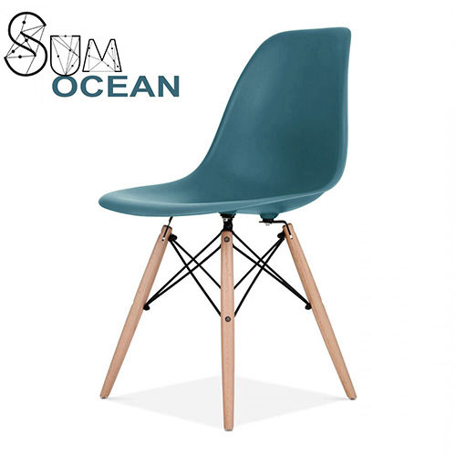 Modern competitive price simple PP plastic white top solid wood leg dining chair
