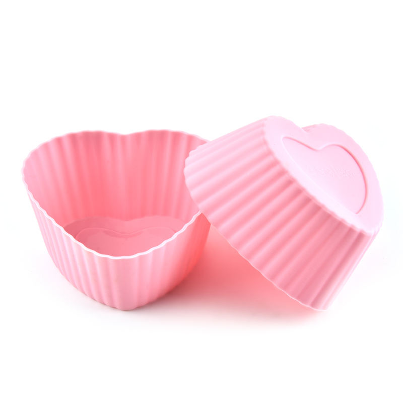 Manufacturers selling silicone love egg tarts The silicone cake cup Love the muffin cup shape