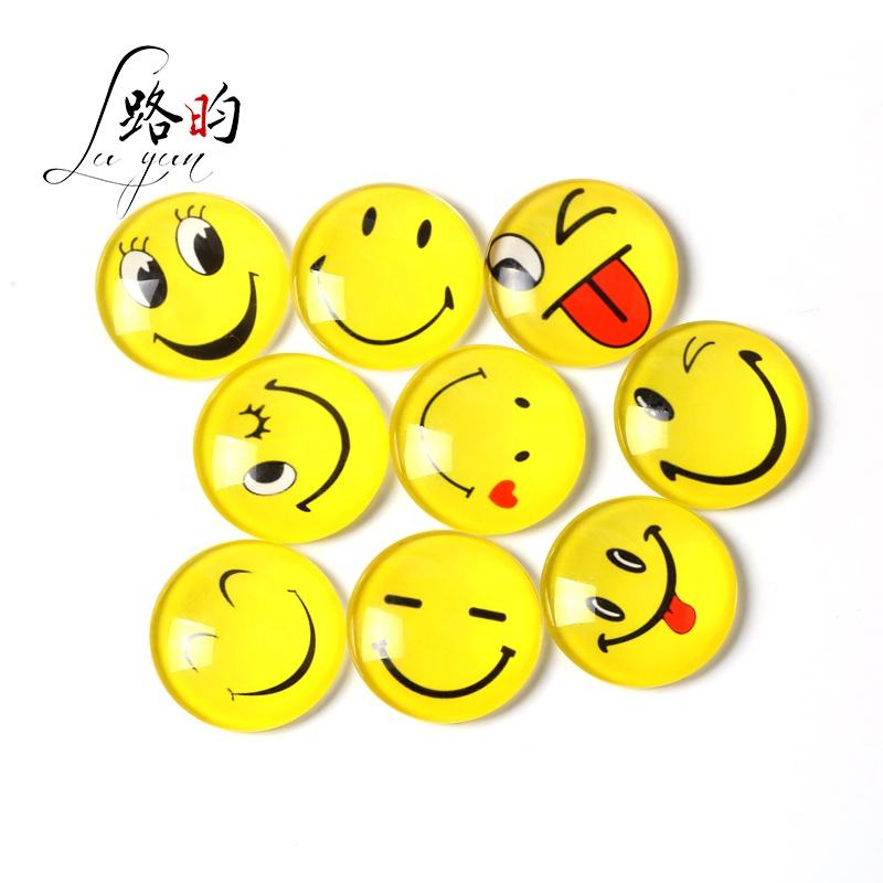 5 x ROUND EMOJI HAPPY FACE PRINTED CLEAR GLASS DOMED CABOCHONS 25mm