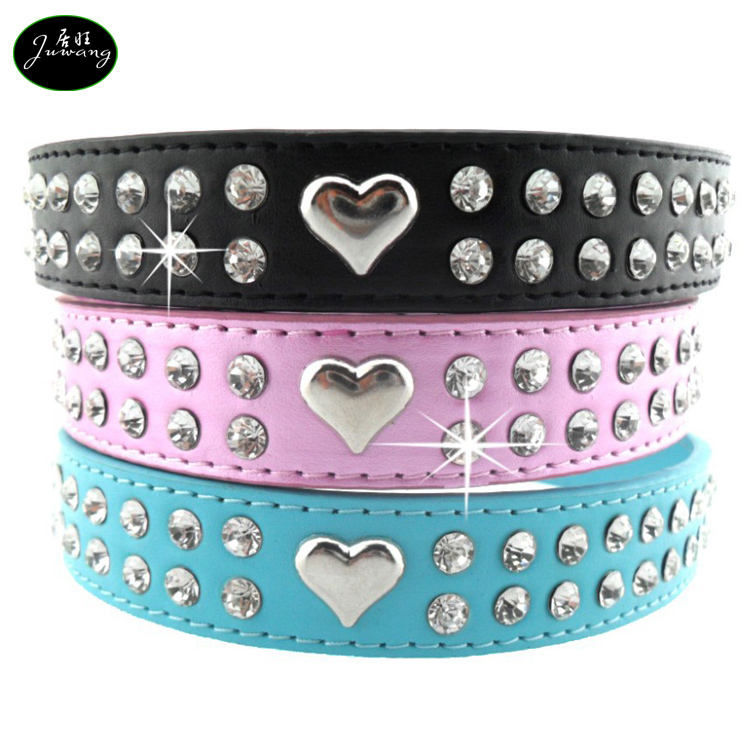 Factory Wholesales Lovely Alloy Peach Heart Rhinestone Crystal Faux Leather Pet Dog Collar for Dog