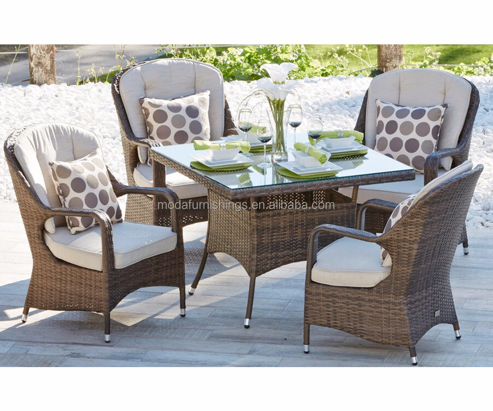 Outdoor Modern Porch Wicker Rattan Dining Chairs and Table