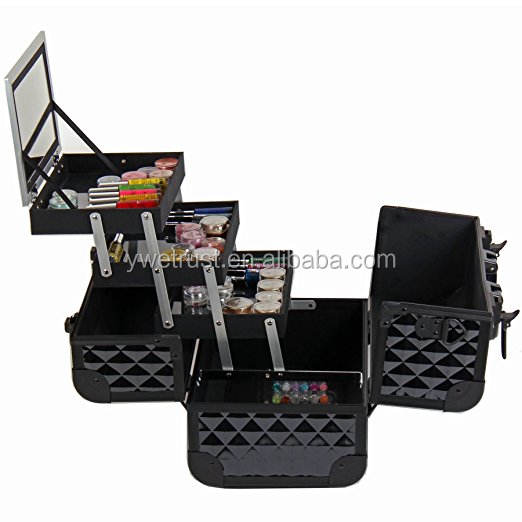 Durable design with dust-proof makeup case Black Diamond Cosmetics Collection Train Case