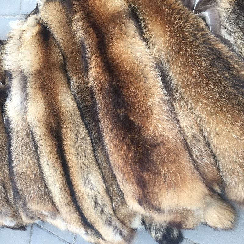 Factory wholesale tanned long hair and soft raw or dyed real raccoon fur skin