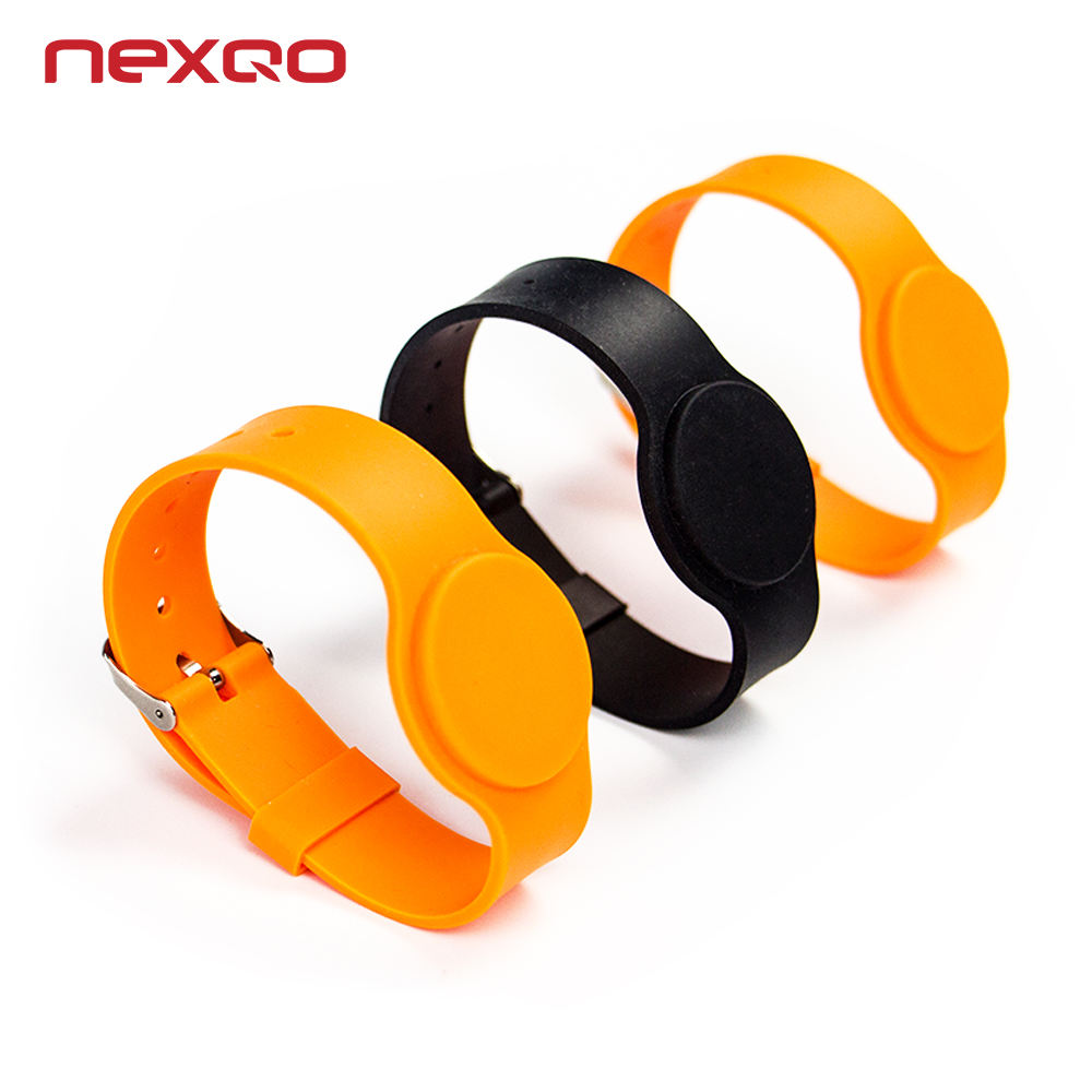High Quality 13.56Mhz waterproof NFC bracelets silicone wristband rfid free sample